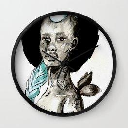 Femme à la crête bleue Wall Clock