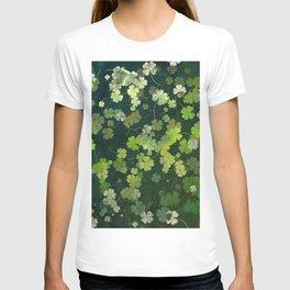 Clover plants pattern T-shirt