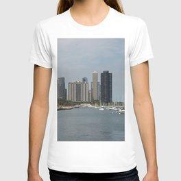 Chicago Shoreline, Skyline, Lake Michigan T-shirt