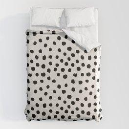 Preppy brushstroke free polka dots black and white spots dots dalmation animal spots design minimal Bettbezug