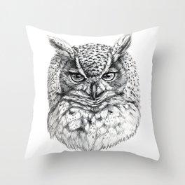 Owl SK136 Throw Pillow