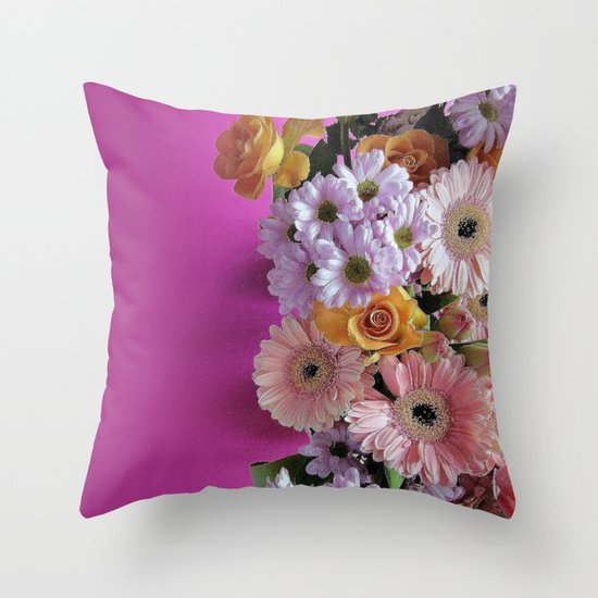 pink 'n flowers Throw Pillow