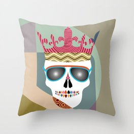 Forever lives the king Throw Pillow