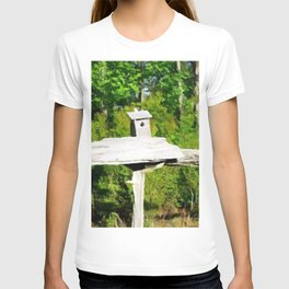 Rustic Knotted Pine Wood Fence Birdhouse Yard Art T-shirt