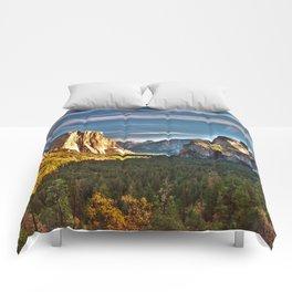 Yosemite Mountains, Yosemite National Park, California Comforters