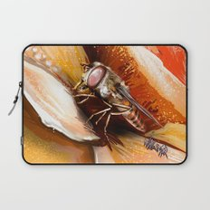 Fly on flower 8 Laptop Sleeve