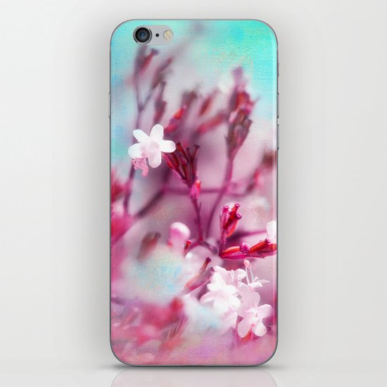 WHITE MACRO FLOWERS iPhone Skin