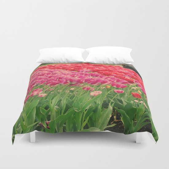 The dancing tulips Duvet Cover