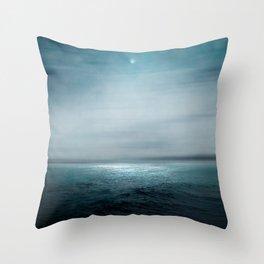 Sea Under Moonlight Deko-Kissen