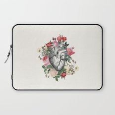 Roses for her Heart Laptop Sleeve