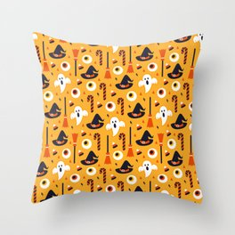 Happy halloween ghosts, brooms, eyeballs and witch hats pattern Throw Pillow