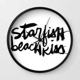 Starfish Beachkiss Wall Clock