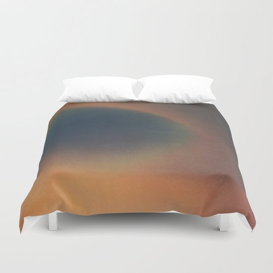 HE KNEW EVERYTHING Duvet Cover