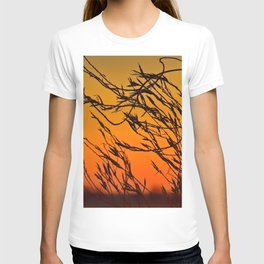 Sunset through the bushes T-shirt