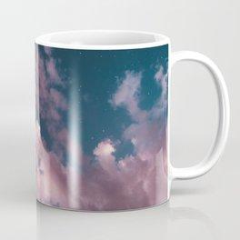 otro cielo rosado. Coffee Mug