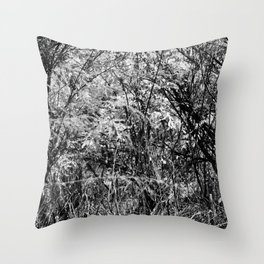 Believe me. I live in the noise Throw Pillow