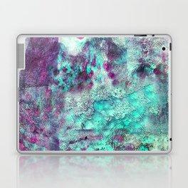 crayon love: live outside the box Laptop & iPad Skin