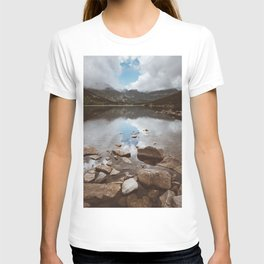 Mountain Lake - Landscape and Nature Photography T-shirt