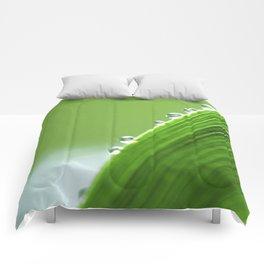 On The Edge Of Green - Water Drops Macro Comforters