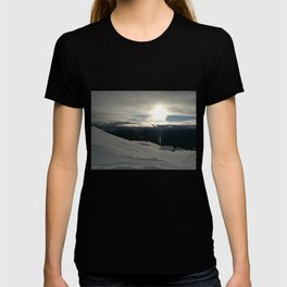 On the mountains, me and the sun, between the clouds T-shirt