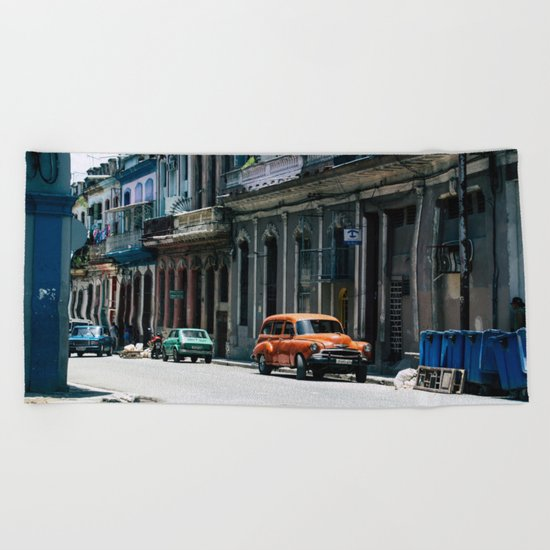 Casa Cubana Beach Towel