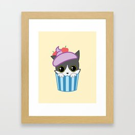 cupcake kitty Framed Art Print