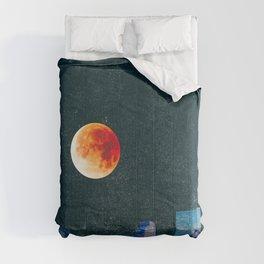 Blood Moon over Denver Colorado Skyline Comforters