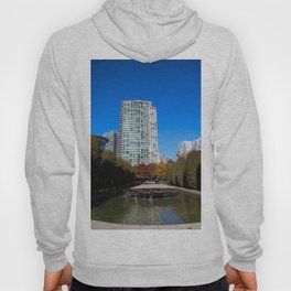 trees to breathe in the city Hoody
