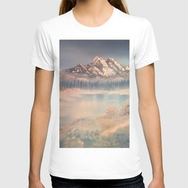Icy tranquility - Cabin by the pond T-shirt