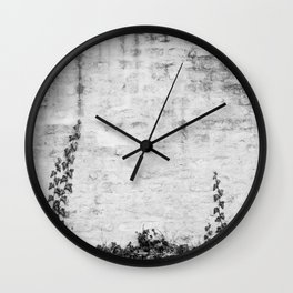 Growing ivy Wall Clock