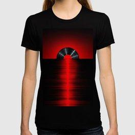 Vinyl sunset red T-shirt