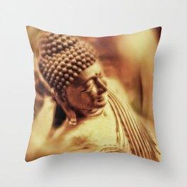 Ruhender Buddha Throw Pillow