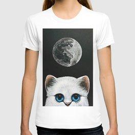 WHITE PERSIAN CAT & FULL MOON T-Shirt