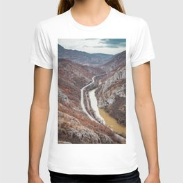 Beautiful picture of the canyon in Serbia. Dramatic sky and mountains T-shirt