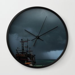 Storm, Pirata ship Wall Clock