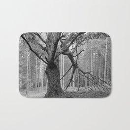 WOLF TREE Bath Mat