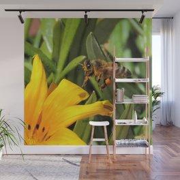 Pollen Express 221 Wall Mural