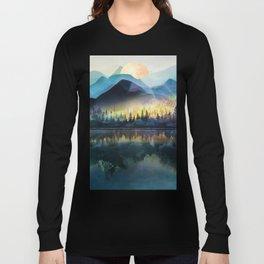 Mountain Lake Under Sunrise Langarmshirt