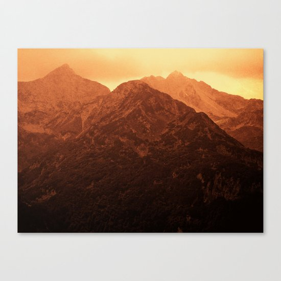 Evening in the mountains Canvas Print