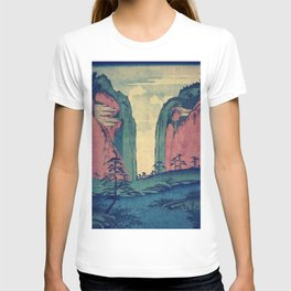 Amazed at Dinyia T-shirt
