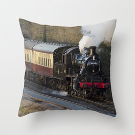 46521 Kinchley curve Throw Pillow