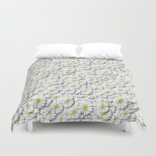 white daisy flowers Duvet Cover