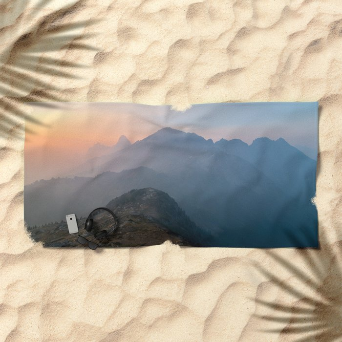 Pastel sunset peak Beach Towel