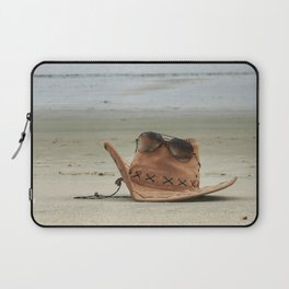 Chill at beach! Laptop Sleeve