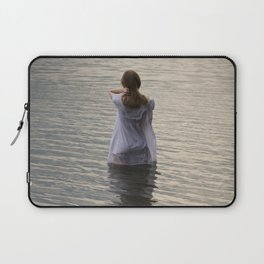 Dreaming in the water Laptop Sleeve