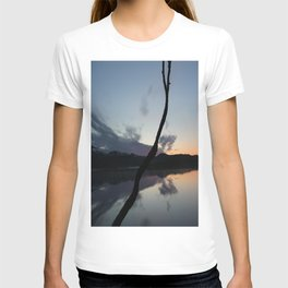 Sunset on lake, Nature Photography, Landscape Photos, sunset photos T-shirt