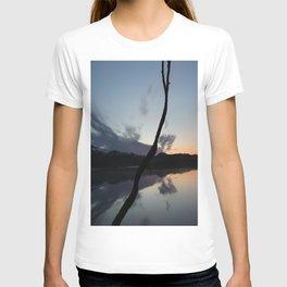 Sunset on lake, Nature Photography, Landscape Photos, sunset photos T-shirt