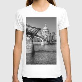 St Pauls, London T-shirt