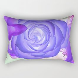 Violeta Florecer Rectangular Pillow