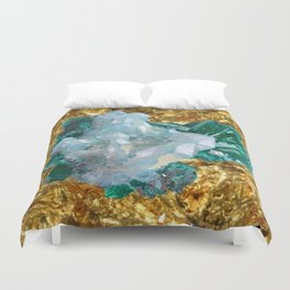 WHITE QUARTZ &  AQUAMARINE CRYSTALS  ON GOLD Duvet Cover